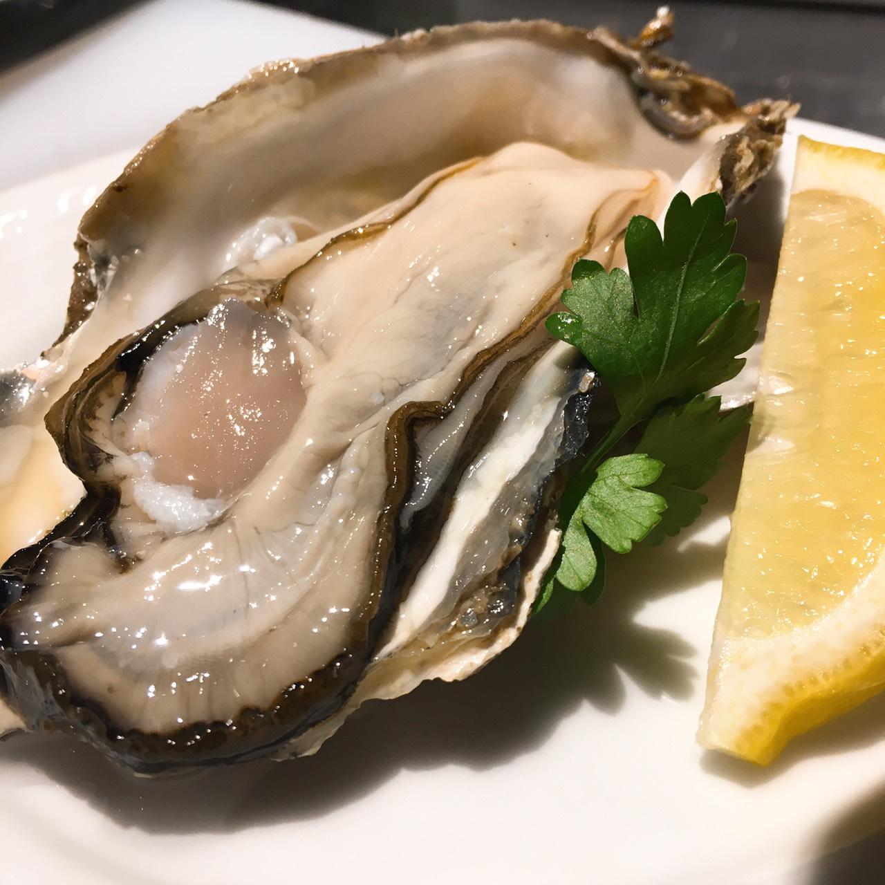 北海道厚岸のミルキーな生牡蠣